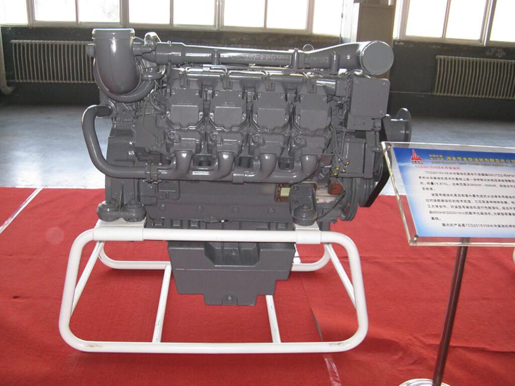 Deutz TCD2015V08 | Vehicle diesel engine